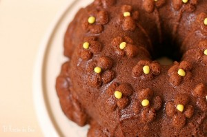 MILK CHOCOLATE BUNDT CAKE