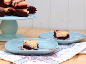 RED VELVET & CREAM CHEESE BROWNIES