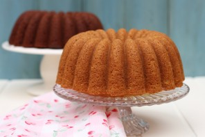 YELLOW & BROWN VELVET BUNDT CAKES