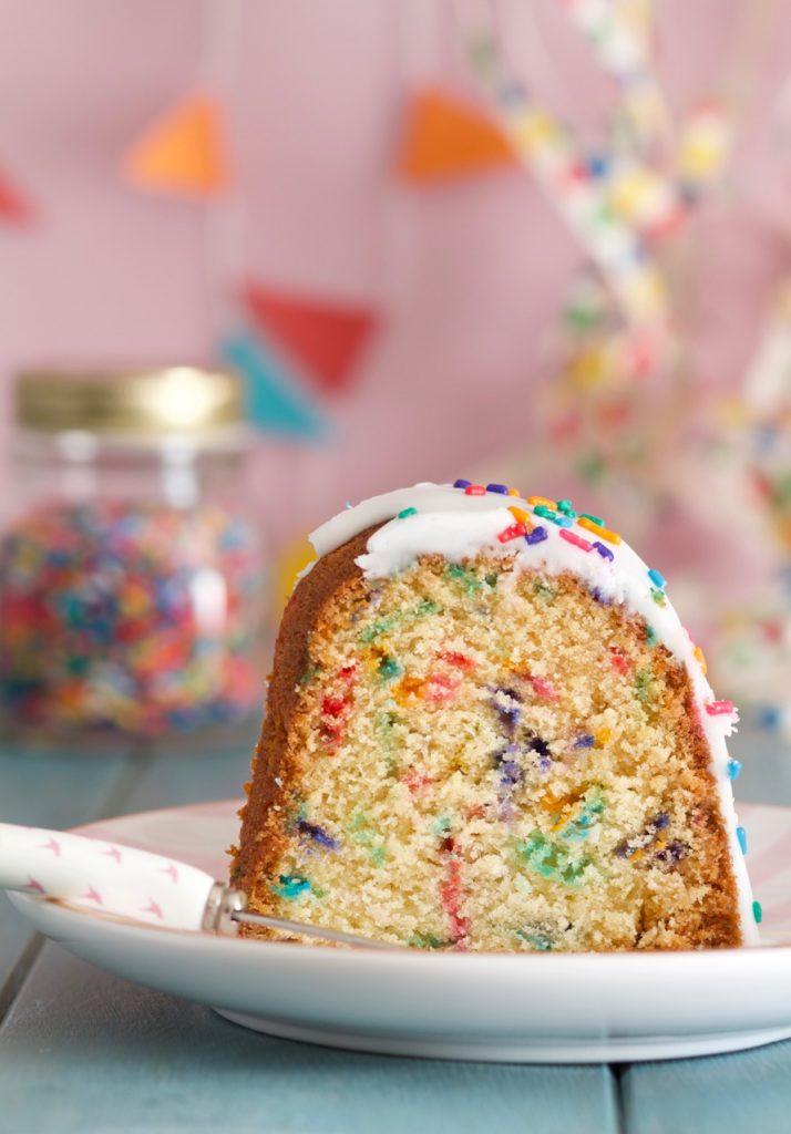 Funfetti Bundt Cake Corte