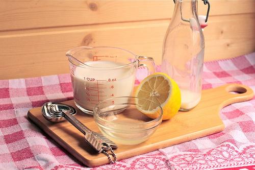 Con tan solo dos ingredientes, puedes hacer tu buttermilk casero